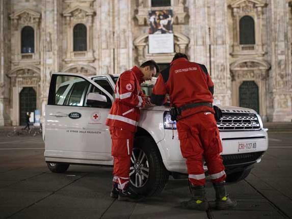 """Land Rover Italia e Croce Rossa italiana per """"Le Strade della Solidarietà"""""""