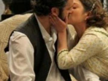 Anticipazioni Il Segreto 6-7 febbraio e cambio programmazione: bacio tra Tristan e Candela