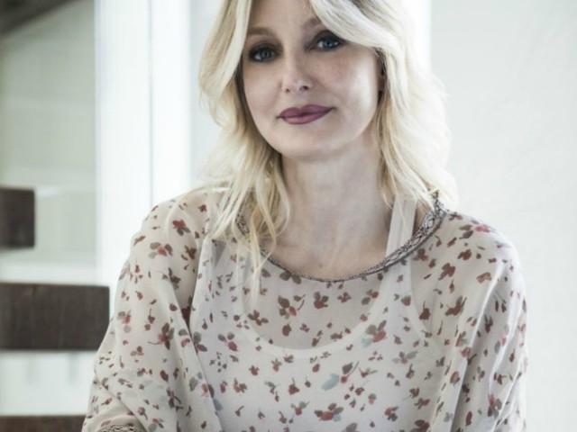 """Barbara Pozzo, la moglie di Ligabue scrittrice di best seller: """"Meno rispondi a ciò che è negativo, più la tua vita si riempie di pace"""""""