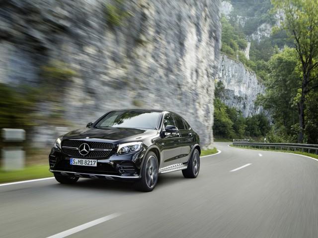 Mercedes-AMG GLC 43 4Matic Coupé - Sapore di sport con il V6 biturbo