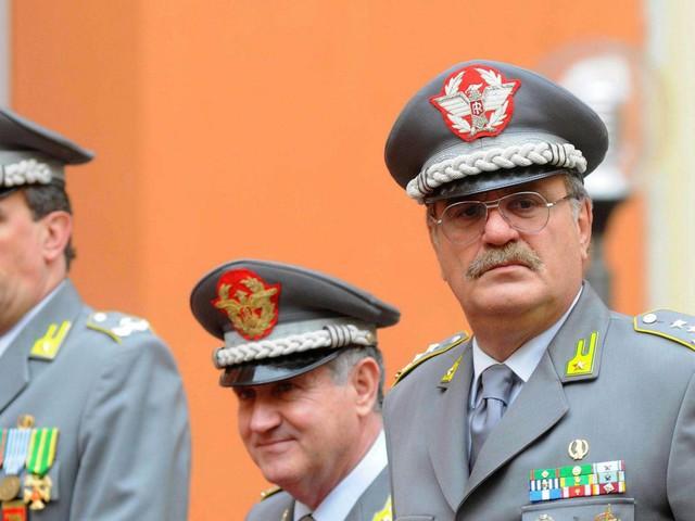 """Michele Adinolfi, il generale intercettato con il premier: """"Rovinato dall'inchiesta P4. Ma Renzi mi ha detto di stare sereno"""""""