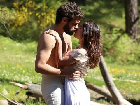 Il Segreto: torna la passione tra Ines e Bosco, i primi sospetti su Amalia