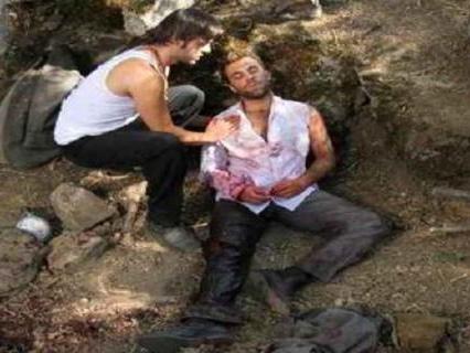 Anticipazioni Il Segreto 4 agosto: Fernando sotto un mucchio di sassi