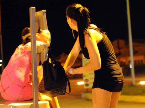 Prostituzione, lotta fra bande di sfruttatori: sei arresti