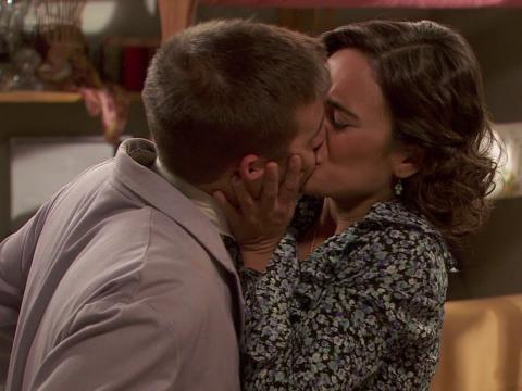 Spoiler Il Segreto puntata 1082: Hipolito incontra il nuovo amore: scopri qui chi è? Video