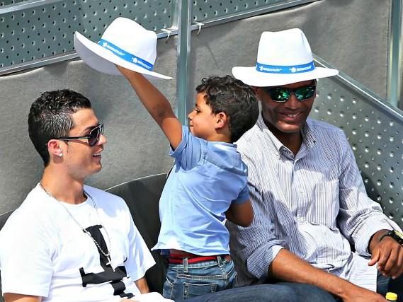 """La sorella di Cristiano Ronaldo: """"Se Cristianinho chiede della mamma cambiamo discorso"""""""