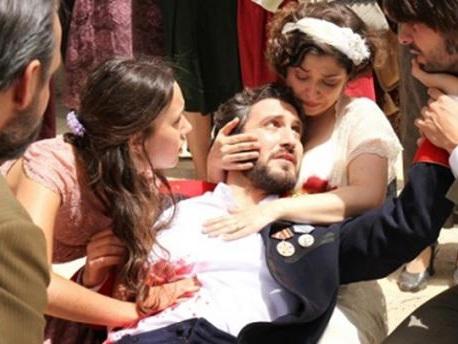 Anticipazioni Il Segreto: la morte di Tristan tra le braccia di Candela, ecco quando
