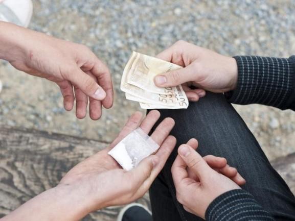 Spaccio di droga e occupazioni abusive: tre arresti a Milano