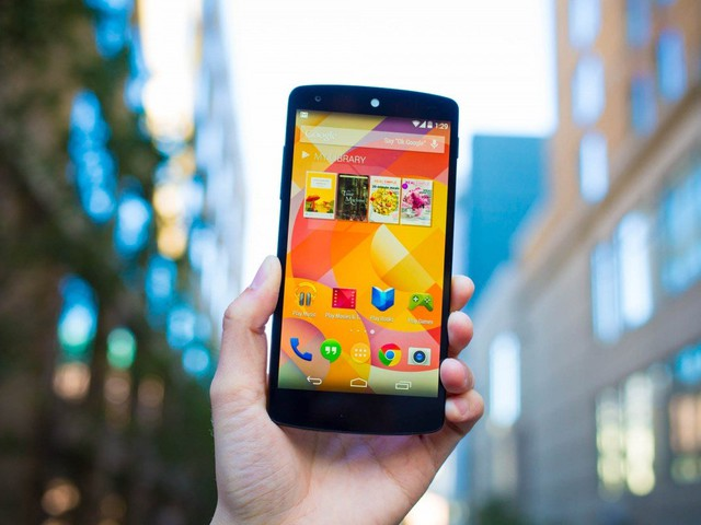 Nexus 5: ecco come sostituire la batteria con una da 3000 mAh