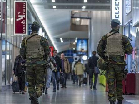 Bruxelles chiusa per terrorismo: allarme Isis, annullati concerti, eventi e partite