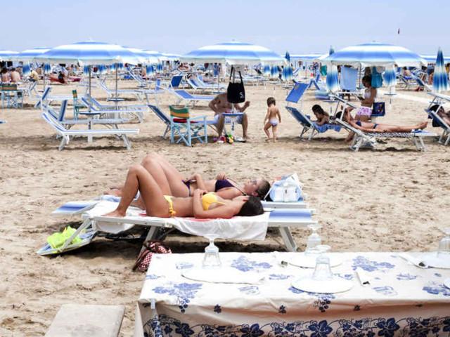 Estate: Federalberghi, 30,4 milioni di italiani in vacanza, +8,6%