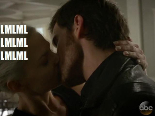 Once Upon a Time 5: La reazione dei fan alla pomiciata tra Hook e Dark Swan