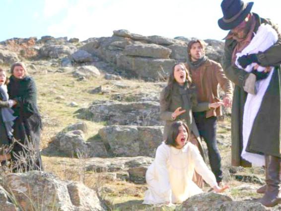Anticipazioni Il Segreto: Fernando si getta nel fiume con la piccola Esperanza