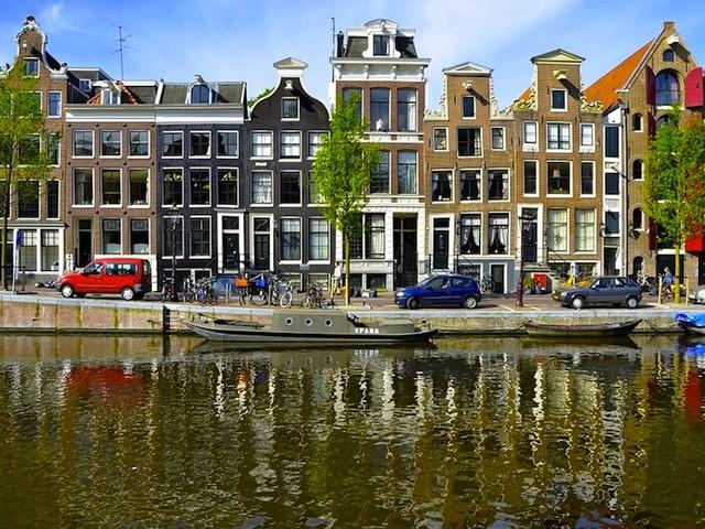 Anygator le notizie e le novit pi social del web per la for Voli low cost amsterdam