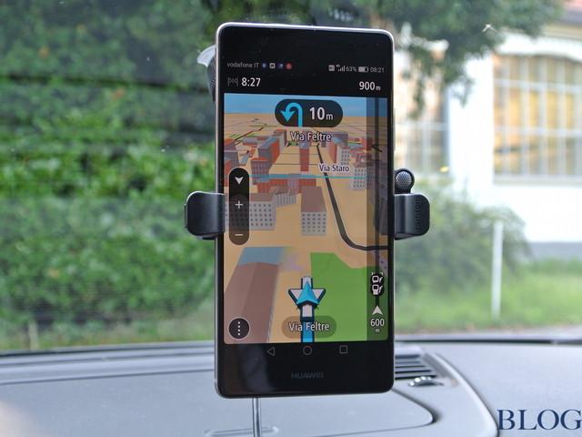 Usare Gli Smartphones In Auto Huawei P9 Plus Test Drive Motori