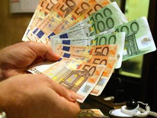 Napoli, presi 56 falsari Hanno fabbricato il 90% degli euro falsi nel mondo