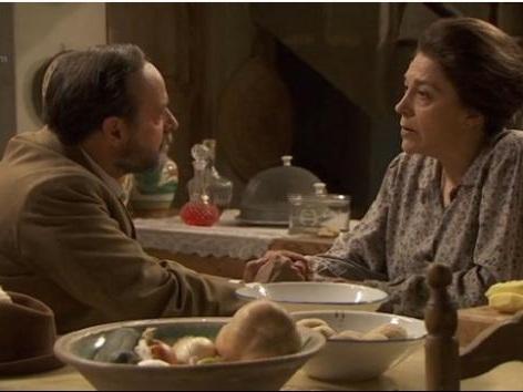 Il Segreto, puntate spagnole agosto: Raimundo chiede a donna Francisca di sposarlo