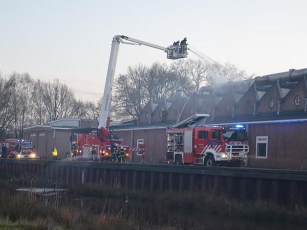 Brandweer rukt uit voor brand bij Ten Cate in Nijverdal