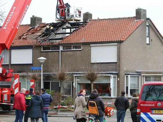 Zolder huis Eindhoven uitgebrand: wietplantage op zolder, twee bewoners aangehouden