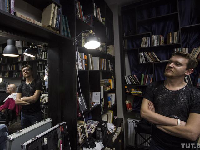 В Бресте откроется барбершоп-библиотека с книгами Янки Купалы