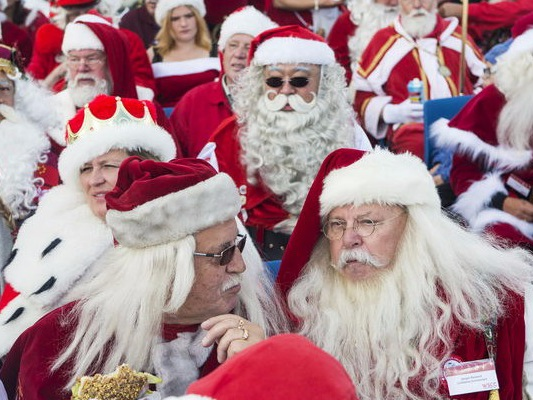 Walmart is enlisting more than 3,000 Santas in its battle against Amazon