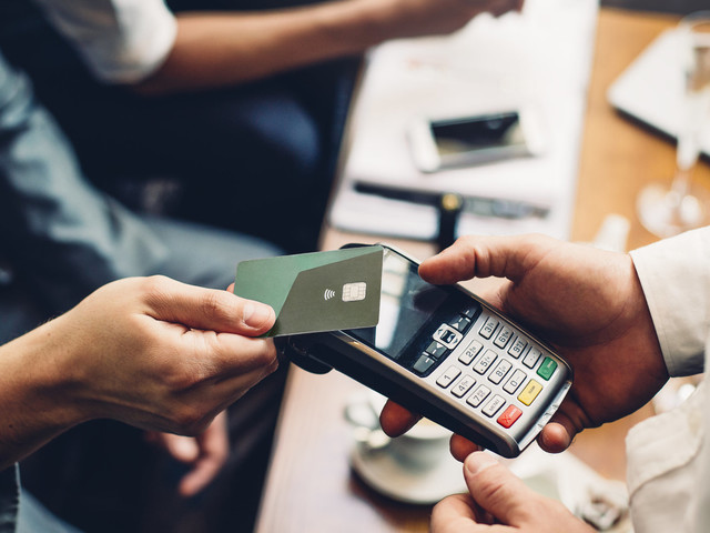 how to build credit score uk
