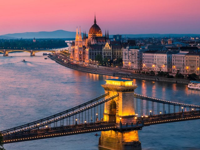 5 nights Budapest just £112pp - inc. flights, hotel (4/5 on TripAdvisor) & connections