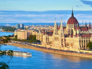 2 nights in Budapest for just £52.98 each including flights, 3* central hotel and airport transport