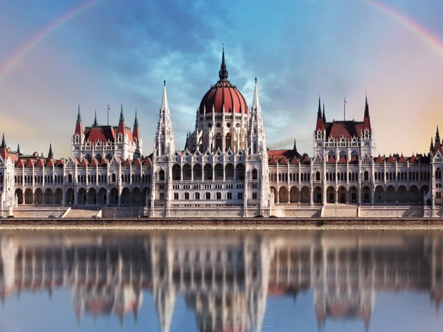 7 nights in Budapest in a Boat Hotel with flights and airport connections only £121.50 per person