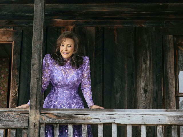 Loretta Lynn moves past well-trodden origins to a spot in country's pantheon