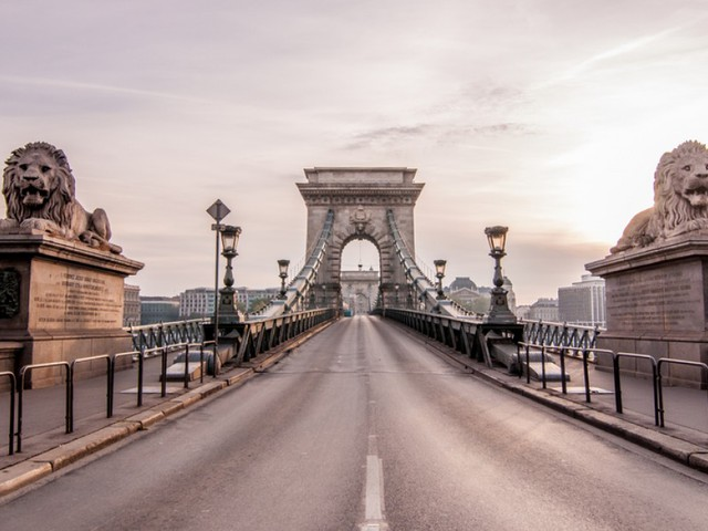 Cheap 3 night break to Budapest for just £69.61 each including flights, 3* central hotel and airport transport!!