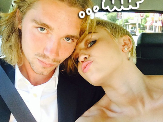 Miley Cyrus' Inspiring 2014 VMAs Date Is Selling The Singer's Moonman For Thousands!