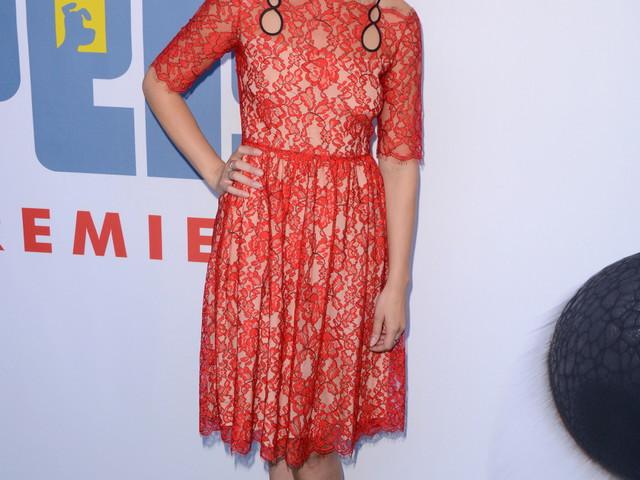 Jenny Slate confirms she's dating Chris Evans, 'my dream 7th grade boyfriend'