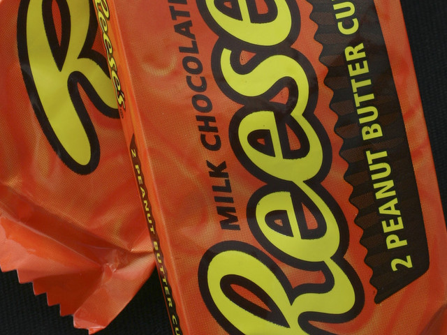 Reese's Christmas 'Tree' Peanut Butter Cups Are A Massive Failure