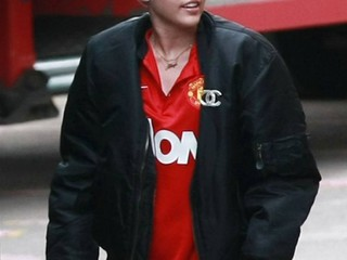 Is Miley Cyrus Manchester United's new midfield Wrecking Ball?