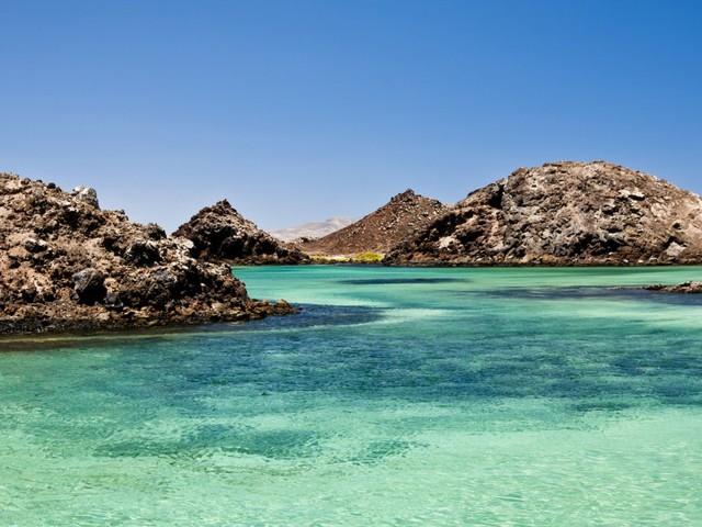 Fuerteventura holiday from £104pp - incl flights, 7 nights hotel (4/5 Tripadvisor) & taxis *Last Minute*