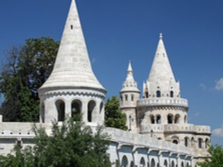 2 nights in Budapest for just £57.31 each including flights, 3* central hotel and airport transport!!