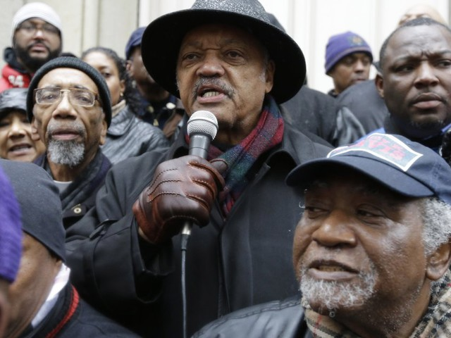 Jesse Jackson Joins Calls For Resignations After Laquan McDonald Shooting
