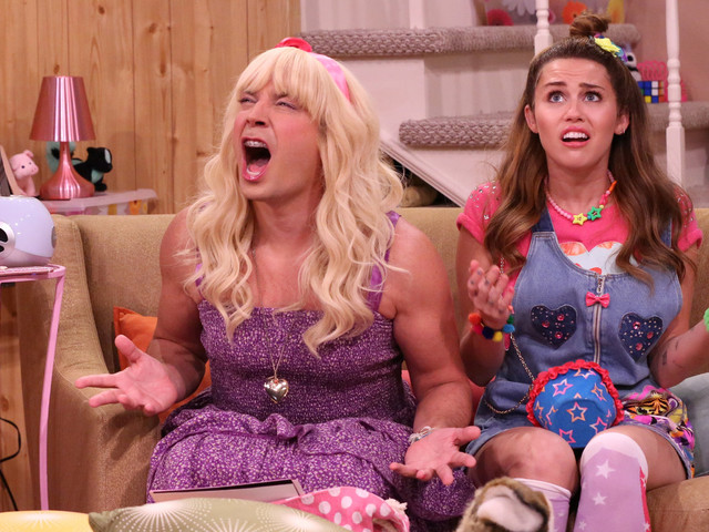 Miley Cyrus Brings Back The 'Hannah Montana' Look For 'Ew!'