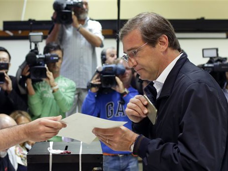 Mainstream Portuguese moderates expected to prevail in vote