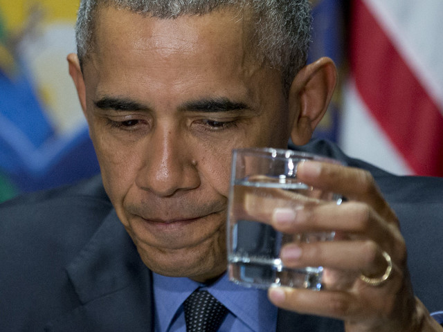 Obama Drinks The Water In Flint