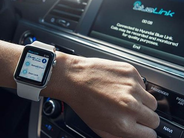 You can remotely start your Hyundai with your Apple Watch now