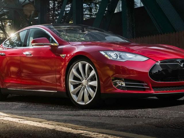 Insurance Company To Sue Tesla Over Model S Autopilot Crash?