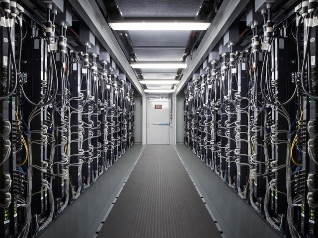 Apple Rumored to Build High-Speed Network for Faster Cloud Services