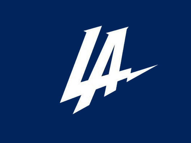 Lakers and Clippers fans join forces to boo new L.A. Chargers logo