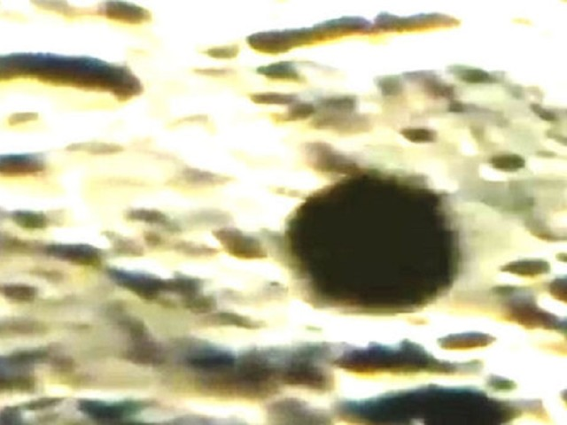 (VIDEO) UFO sighting: What is that live cam record of huge, spherical object on Moon's surface?