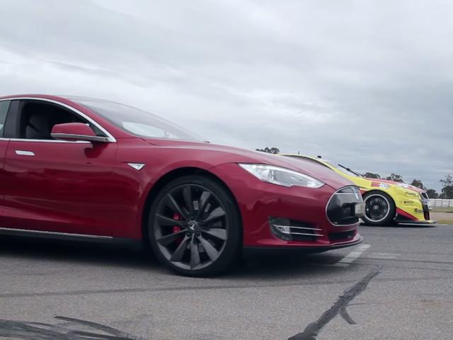 Video: What happens when a Tesla Model S drag races a Holden V8 Supercar?