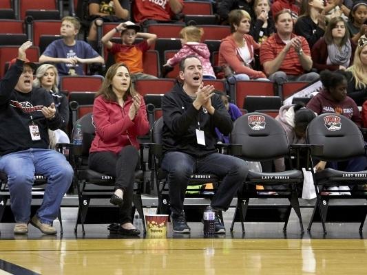 'Tiffany Row' creates bonds at UNLV women's basketball games