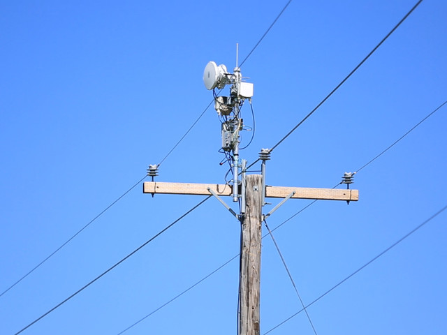 AT&T Testing Super-Fast Wireless Internet Using Power Lines