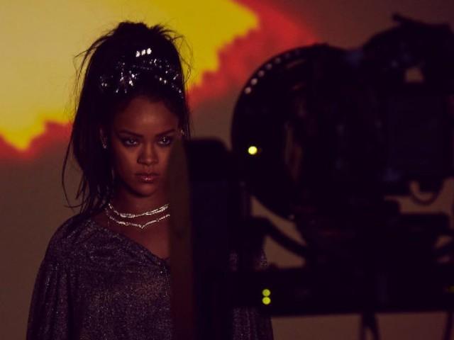 Calvin Harris posts Rihanna video pics